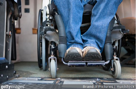 accessibilite-piscine-handicapes